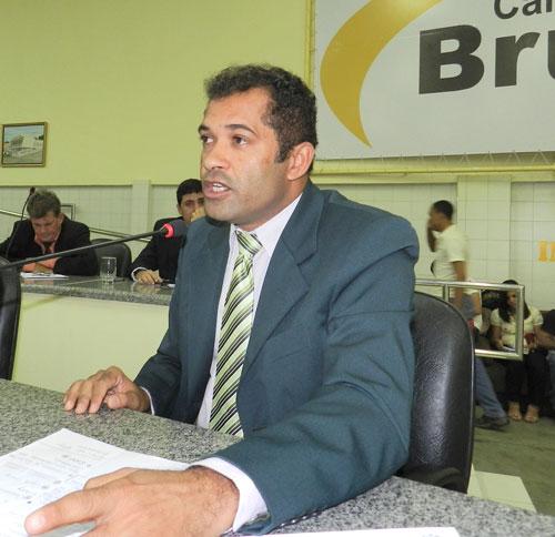 Projeto do vereador José Ribeiro prestará homenagem Antônio Torres