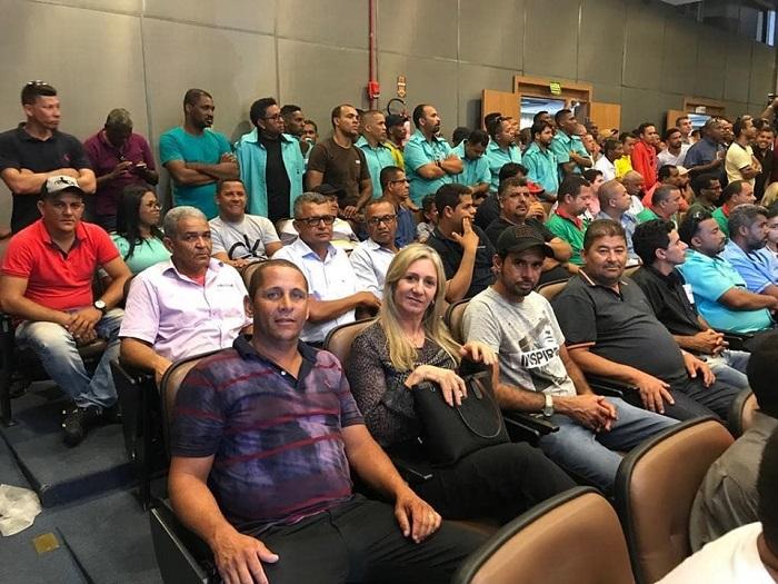 Prefeita de Malhada de Pedras, Terezinha Baleeiro participa de audiência pública sobre o transporte alternativo em Salvador