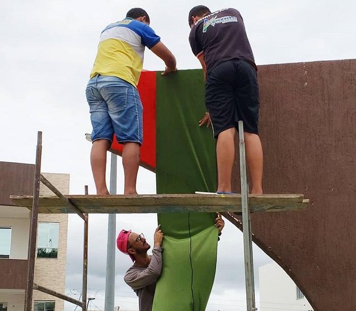 Praça Maria Branca em Aracatu passa por renovação para o Natal da Cidade 2019