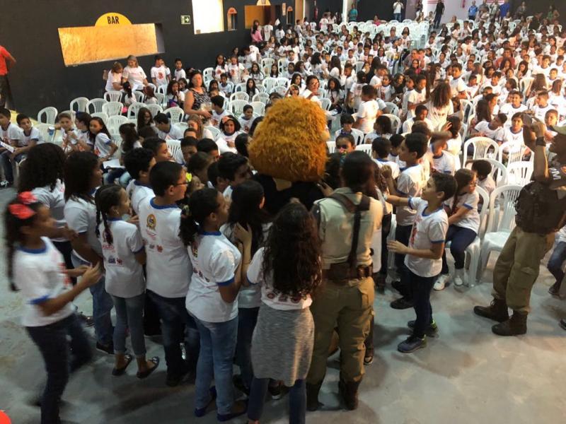 Bahia: Programa de Resistência às Drogas forma 430 jovens em Paulo Afonso