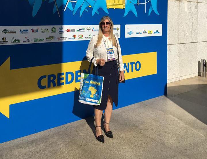 Prefeita de Malhada de Pedras participa da XXI Marcha dos Prefeitos Brasileiros em defesa dos municípios
