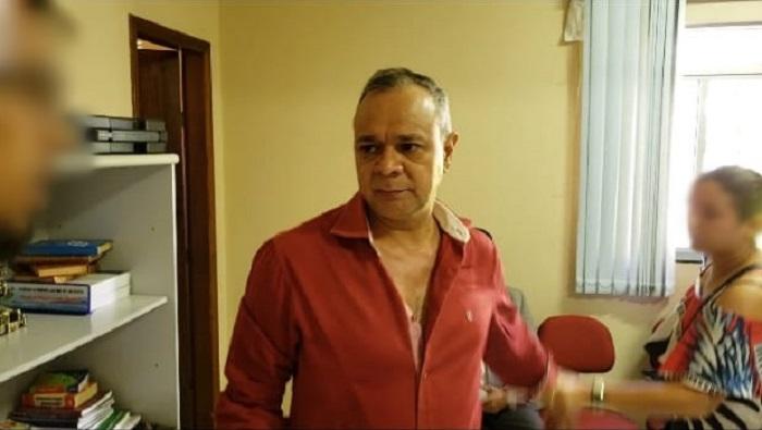 Vídeo: Após ser afastado do cargo, Presidente da Câmara tenta agredir equipe de reportagem em Rio do Antônio
