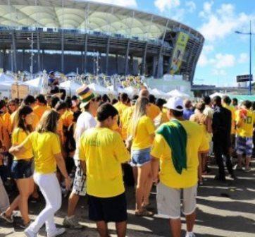 Aprovação da Copa cai para 48% em abril, aponta Datafolha