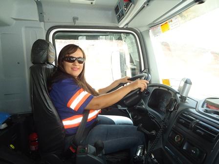 A força da mulher, Jaqueline Ribas, profissão caminhoneira