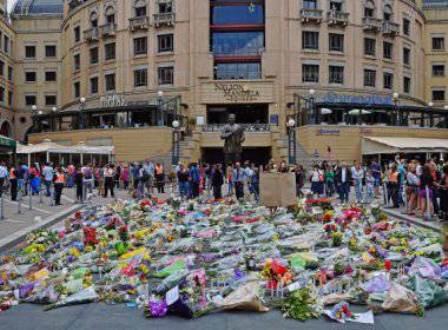 Sul-africanos rezam por Mandela em todo o país