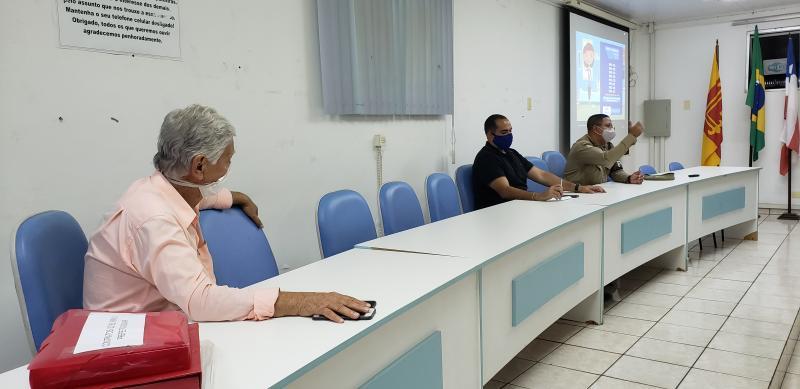 Preocupada com relaxamento da população, prefeitura de Brumado discute novas ações de combate ao coronavírus