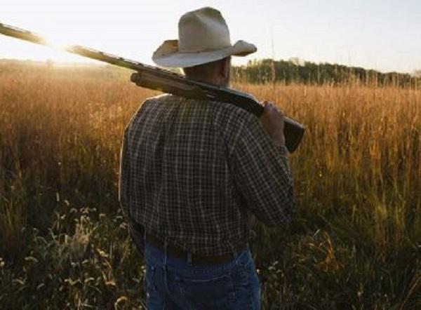 Câmara aprova projeto que flexibiliza posse de armas no campo
