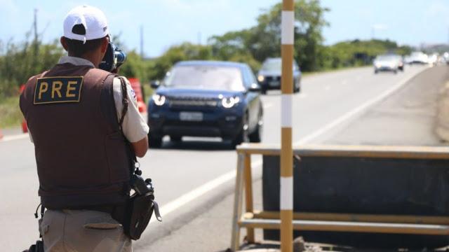 Oito pessoas morrem em acidentes nas rodovias baianas; PM conclui operação réveillon