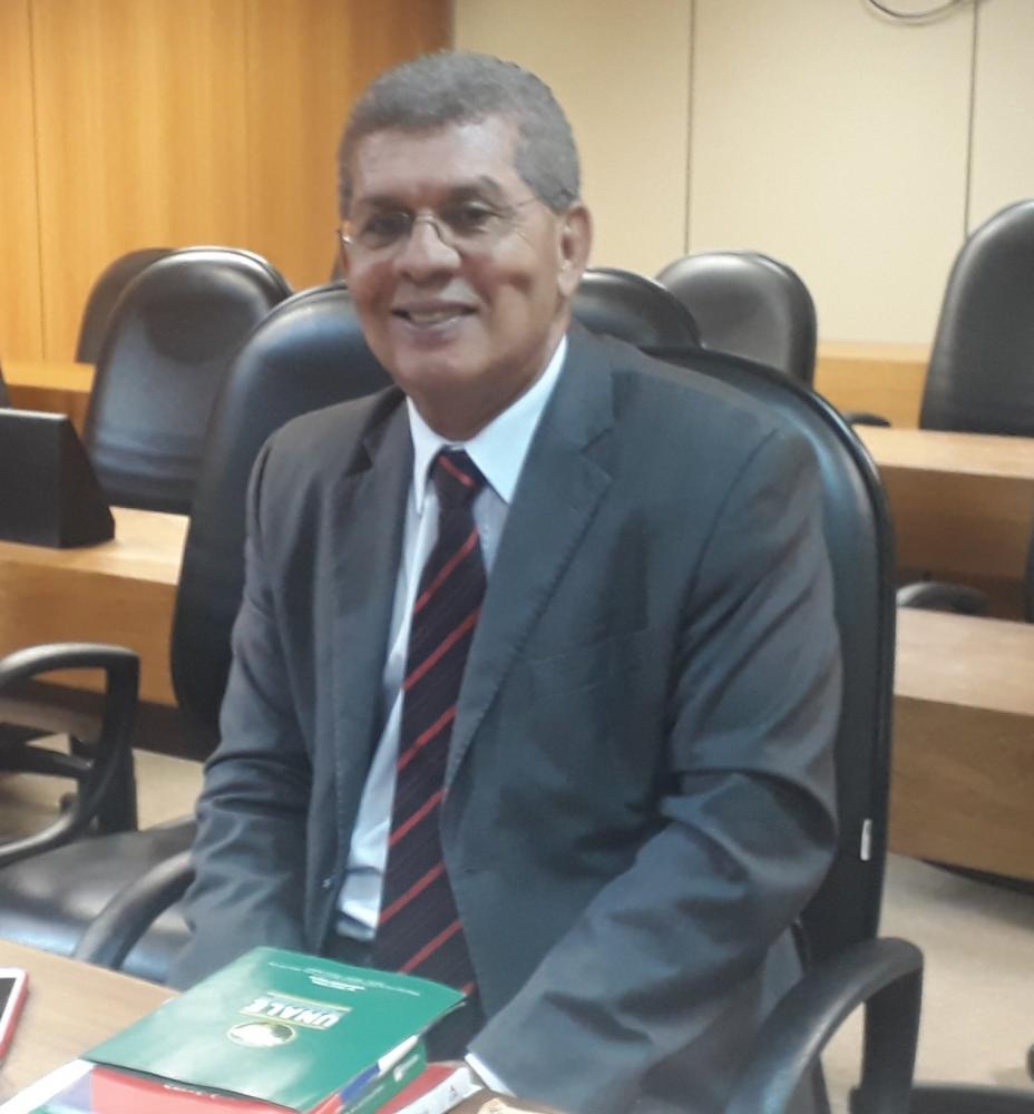 Comissão aprova parecer de Zé Raimundo sobre contas do TCM de 2013