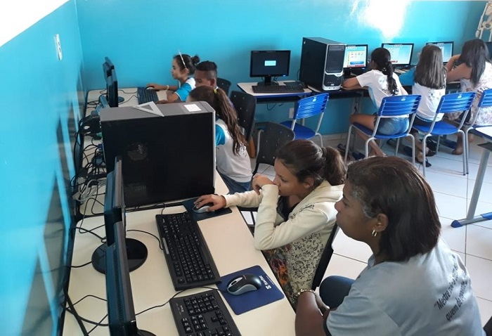 Tanhaçu: Prefeitura promove acesso à internet a alunos da zona rural