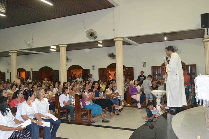 Paróquia Nossa Senhora Aparecida e São Cristóvão inicia festejos em louvor à Padroeira do Brasil