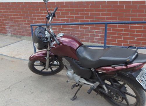 Mototaxista teve a moto roubada, mas a polícia agiu rápido e conseguiu recuperar