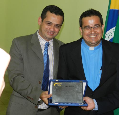 Padre Zé Silva é Homenageado pela Câmara de Vereadores