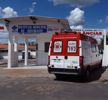 Após surtar mulher quebra computadores na recepção do Hospital Professor Magalhães Neto