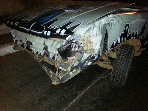 Acidente envolvendo carro e moto na Avenida Coronel Santos deixa um ferido