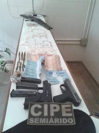 Cafarnaum: Em confronto com Policia 04 suspeitos de  assaltar o BB em Mucugê  são mortos