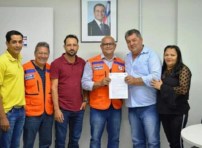 Operação Água Potável: Prefeito de Rio do Antônio assina Termo com a defesa Civil