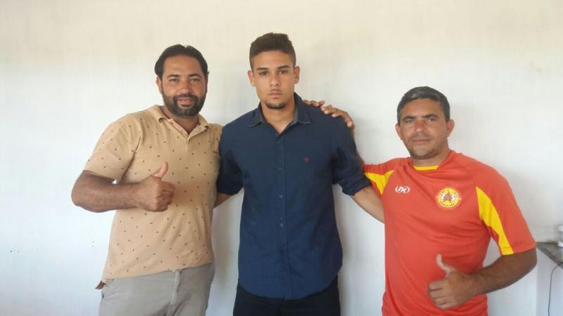 Vereador André Berkovitz apoia projeto de futebol em Rio do Antônio; trabalho precisa de doações