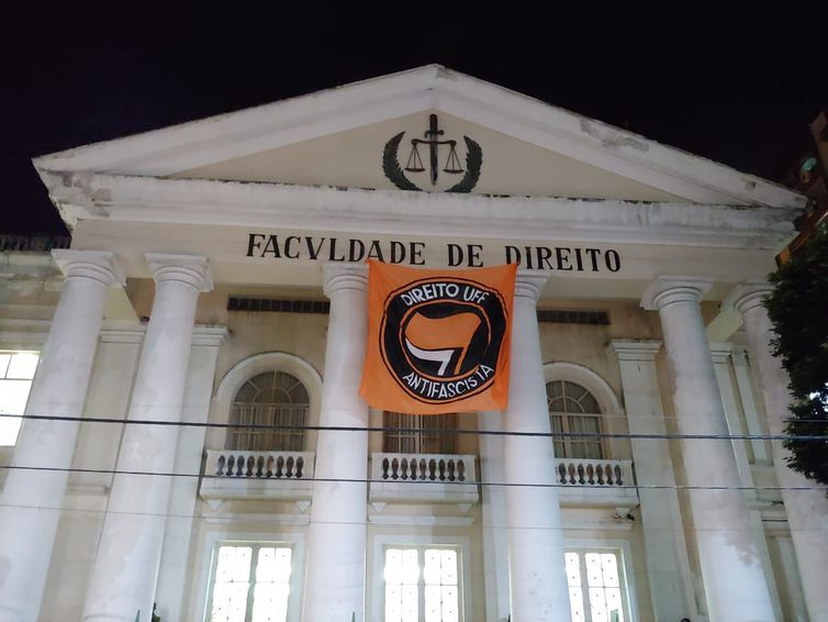 Por ordem da Justiça eleitoral, universidades passam por fiscalizações devido à propagandas eleitorais irregulares