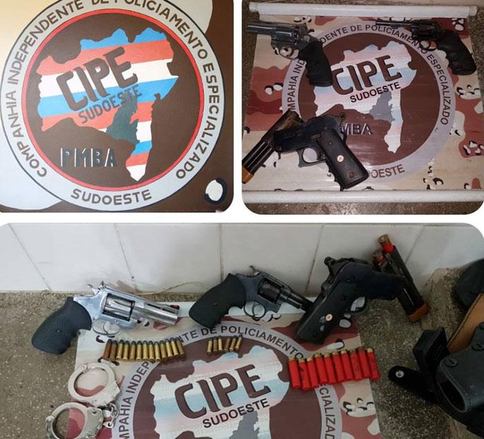 Homem com problemas com ciganos é preso em Jânio Quadros com diversas armas e munições