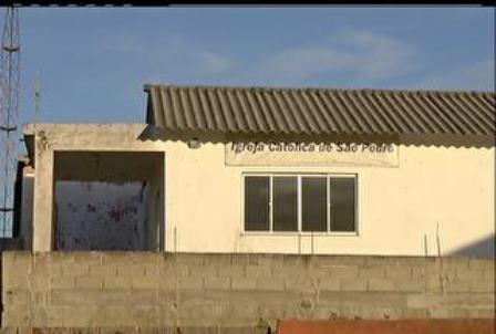 Arraial do Cabo - RJ: jovem é estuprada durante uma missa quando foi ao banheiro, diz avó