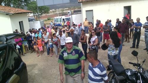 Dor e comoção marcam o sepultamento do Sr. Esmeraldo, morto brutalmente durante assalto no Bairro São Félix