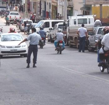 Ciclista morre ao tentar ultrapassagem em Avenida no centro da cidade