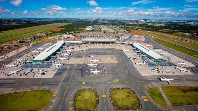 Falta combustível em oito aeroportos do país, diz Infraero
