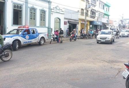 Em resposta a ação dos marginais a policia continua realizando blitz