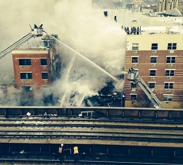 Explosão destrói dois prédios e mata um em Nova York