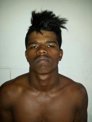 Após ser flagrado furtando, homem é detido pela polícia