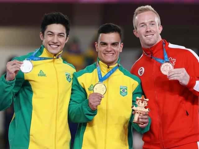 Ouro e prata! Caio Souza e Arthur Nory fazem dobradinha inédita na ginástica artística do Pan