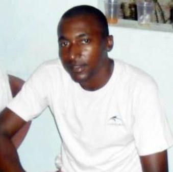 Jovem de 28 anos morre jogando futebol