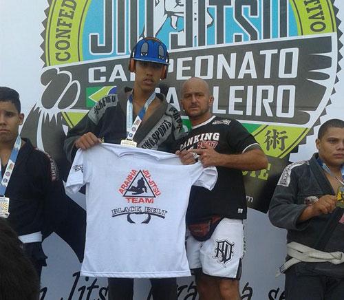 Brumadense consegue a medalha de ouro no brasileiro de Jiu Jitsu