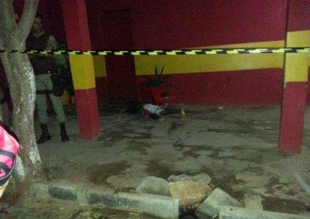 Noite de terror: Jovem é morto após ser alvejado com vários disparos de arma de fogo no Bairro Urbis I