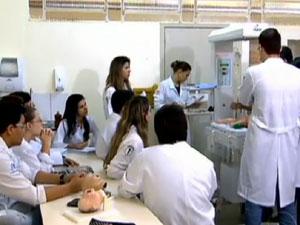 MEC autoriza 420 novas vagas de medicina em universidades federais