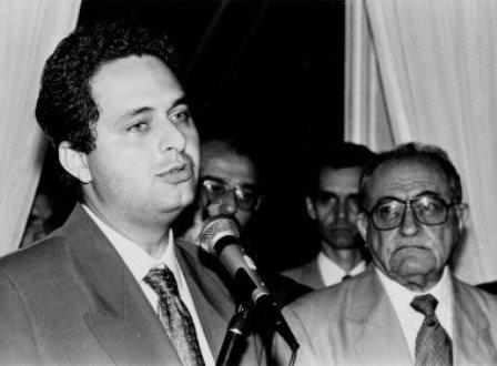 Eduardo Campos será enterrado no túmulo do avô Miguel Arraes, que morreu no mesmo dia