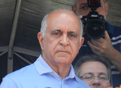 Candidato ao governo da Bahia fez caminhada e falou aos brumadenses
