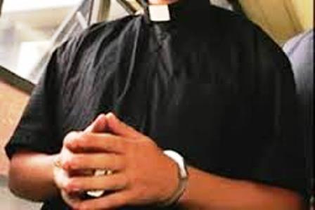 Irecê: Padre é detido acusado de molestar jovem dentro de ônibus