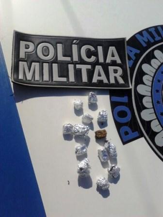 MACAÚBAS: POLÍCIA MILITAR REALIZA PRISÃO DE TRAFICANTE E APREENSÕES DE DROGAS
