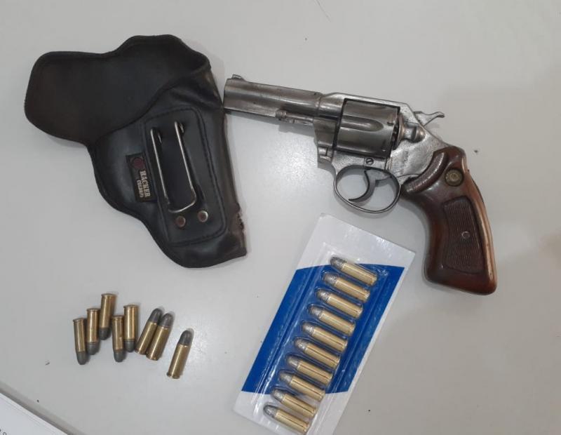 Brumado: Acusado de ameaçar ex-mulher com divulgação de vídeos íntimos, homem é preso por porte ilegal de arma