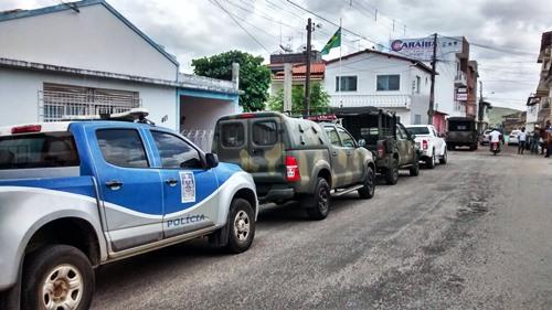 Serrinha: Grupo armado invade Tiro de Guerra e rouba 20 fuzis