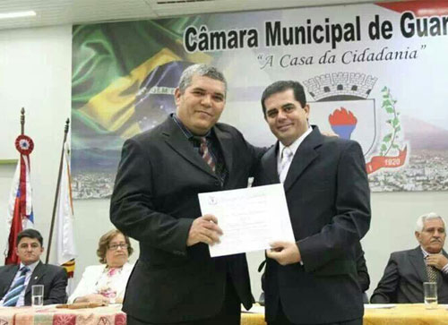 Câmara de Vereadores de Guanambi homenageia brumadense com título de cidadão