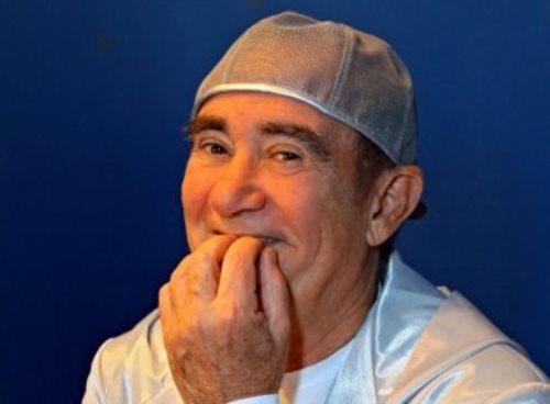 Na 'geladeira' da Globo, Renato Aragão aparece no SBT