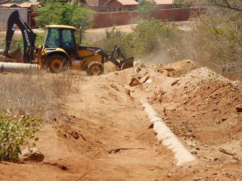 Moradores comemoraram construção de esgotamento intermediado por José Ribeiro