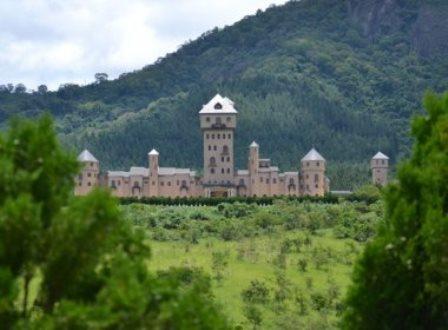 Minas Gerais: Por R$ 40 milhões, deputado põe castelo à venda