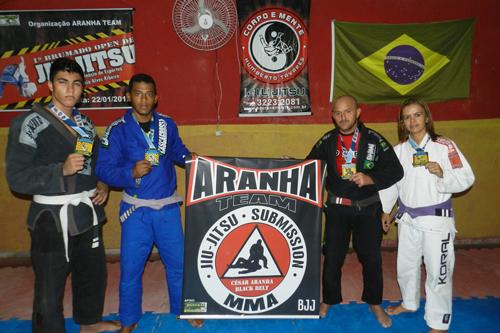 Atletas da academia Aranha Team conquistam medalhas no brasileiro de Jiu-jitsu