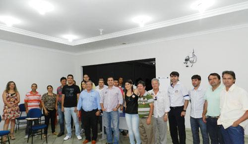 Candidato a deputado federal realiza encontro com empresários brumadenses