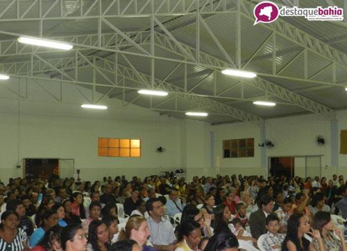 Centenas de pessoas compareceram em congresso evangélico realizado no Colégio Nice Públio