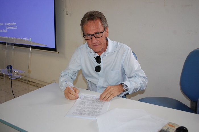 Prefeito de Dom Basílio é punido pelo TCM por prováveis irregularidades em licitação de combustíveis